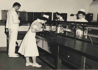 nurses-in-class-1960-first-psychiatric-nursing-program-1882